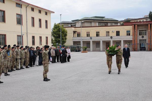 I militari del Reggimento Guide di Salerno salvano una donna da una violenza