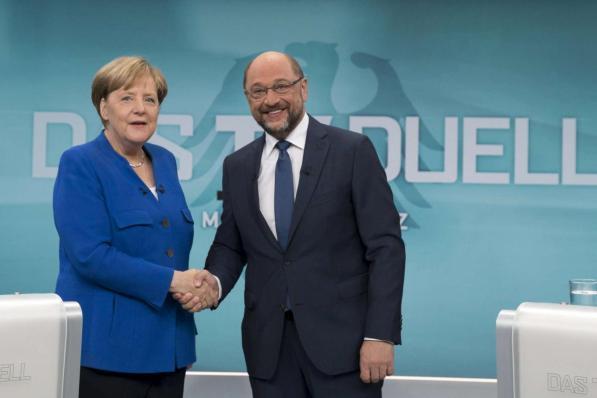 Germania al voto: si riduce il distacco Merkel-Schulz