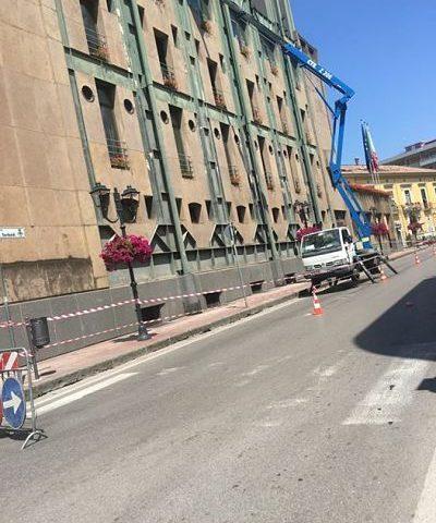 Manonettono segnaletica stradale a Baronissi, la denuncia del sindaco