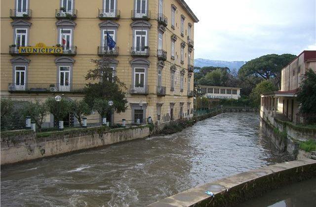 Inquinamento fiume Sarno, sequestrata azienda di pomodori