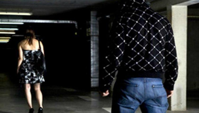 Arrestato un 20enne di Pagani, perseguita la sua ex incinta