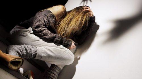 22enne segregata in casa e picchiata per tre anni