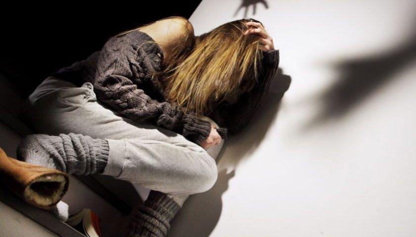 Botte nella notte alla moglie, marito violento fermato dai carabinieri a Foce Sele