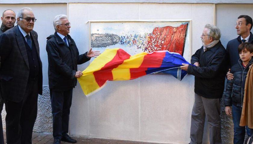A Torrione l'opera di Enzo Bianco dedicata a Francesco Cacciatore