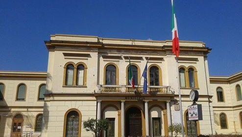 Carenze amministrative, il Comune chiude stabilimento balneare a Pontecagnano