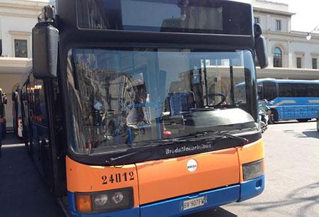 """Lotta ai """"portoghesi"""" del bus. Ronde per i controlli"""