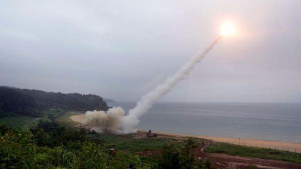 """La Corea del Nord minaccia Tokyo: """"Vi porteremo una nube nucleare"""""""