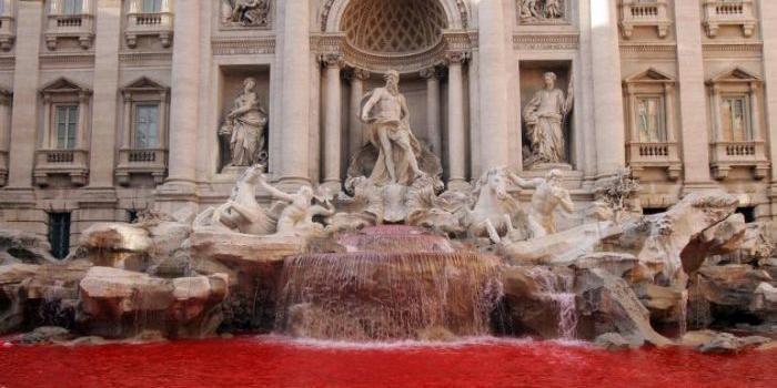 Acqua della Fontana di Trevi rossa: fermato Graziano Cecchini