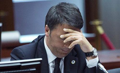 """Video anziano che bacchetta Renzi: """"Avete distrutto politica. Noi veri uomini"""""""