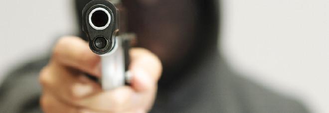 Accusato di rapina, prove insufficienti: assolto cantante neomelodico