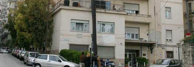 Primario della cinica Tortorella arrestato a Salerno, su facebook nasce un gruppo a sostegno di Carmine Napolitano e del collega Marco Clemente