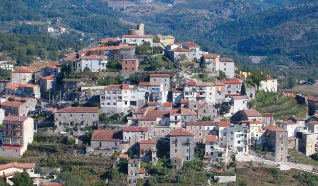 A Caselle in Pittari muore 17enne, il sindaco proclama il lutto cittadino