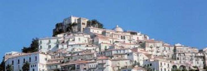 Castellabate, altri 7 positivi: 82 i contagiati. Il sindaco chiama il prefetto