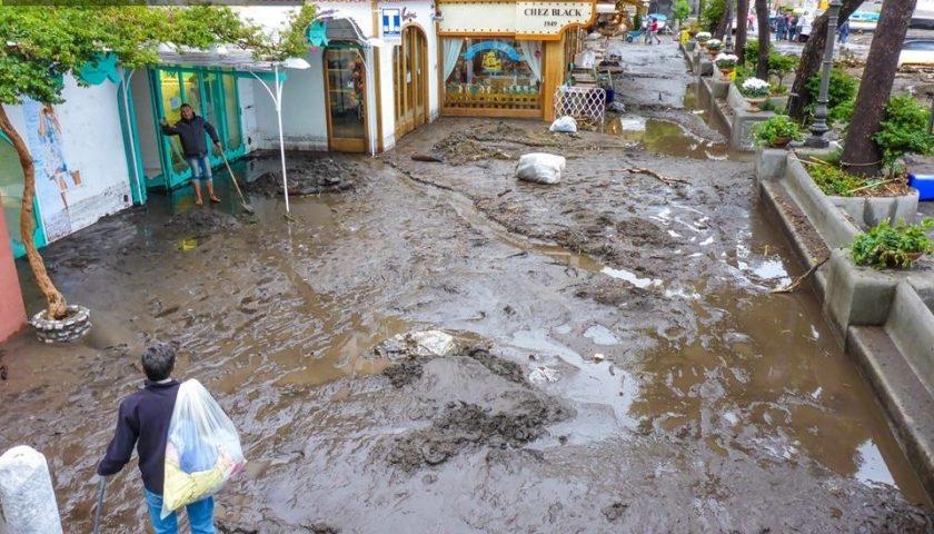 Disastro a Positano: fango ovunque nella Divina Costiera