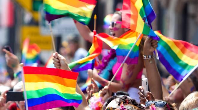 Pontecagnano, post ironico del consigliere sul Gay Pride: E' polemica