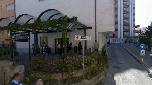 Tragedia sfiorata a Vallo della Lucania, giovane macellaio si recide l'arteria femorale con un coltello