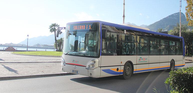 """Con i vigilantes sui bus sono diminuiti notevolmente i """"portoghesi"""""""