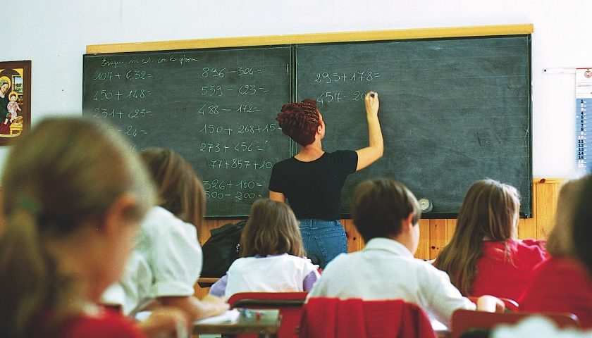 Scuola: via libera a 569 assunzioni negli istituti salernitani