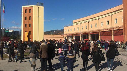 Salerno, Babbo Natale fa tappa al Comando dei Vigili del Fuoco