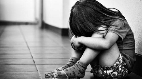 Abusi su bimba 3 anni, arrestato 24enne