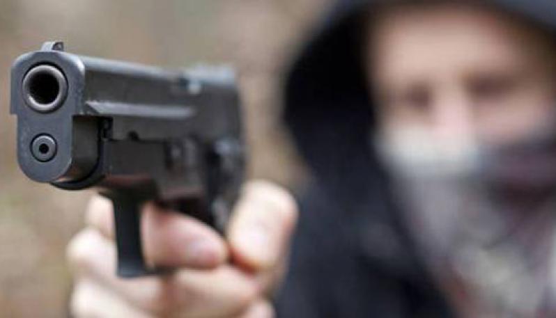 Pontecagnano, rapina in farmacia in via Lamia: caccia al bandito