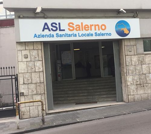 Budget esaurito all'Asl Salerno, terapie a rischio per oltre mille bambini