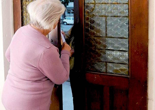 Castellabate, tentano truffa ad un'anziana ma ad attenderli c'erano i carabinieri