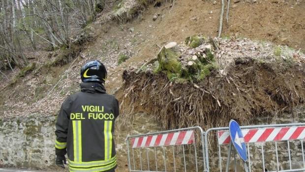 Frana a Vibonati, 12 famiglie evacuate nella notte