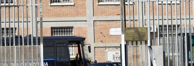 """Emergenza coronavirus, il commissario Arcuri: """"Le mascherine saranno prodotte nel carcere di Salerno"""""""