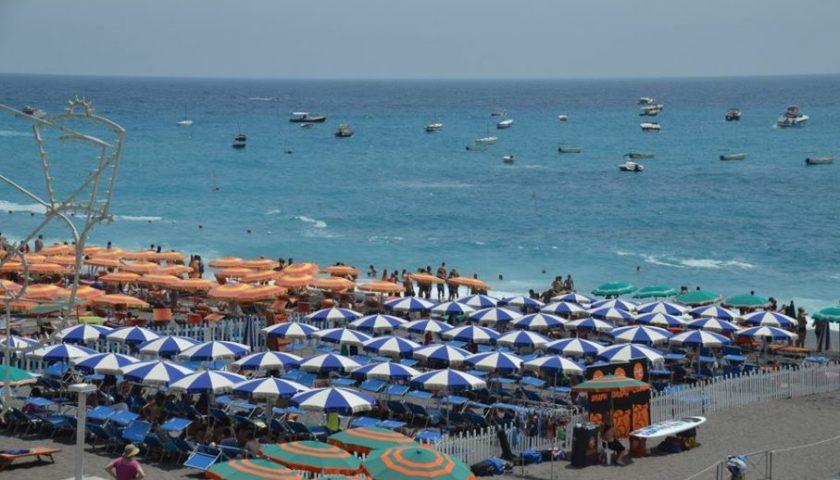 Emergenza Covid 19, incontro con De Luca: gli stabilimenti balneari potranno iniziare il montaggio dal 4 maggio