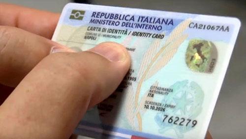 Soldi delle carte di identità scomparsi, richiesta di processo per due dipendenti comunali angresi