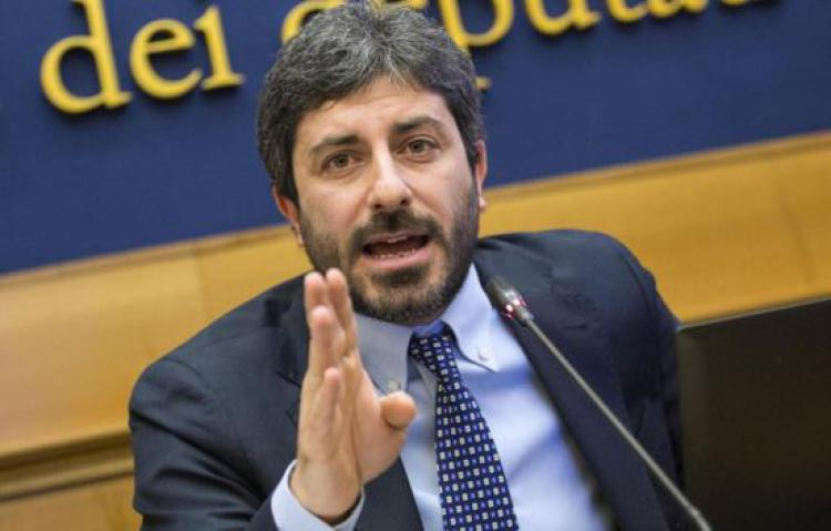 """Il presidente della Camera Fico: """"A Napoli nessuna scena di dissenso ma una guerriglia criminale"""""""