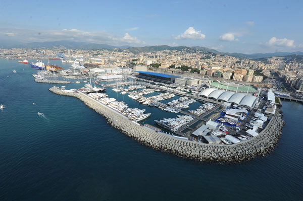 """""""Shopping corner"""" e servizio navette, ecco le novità del Marina d'Arechi"""