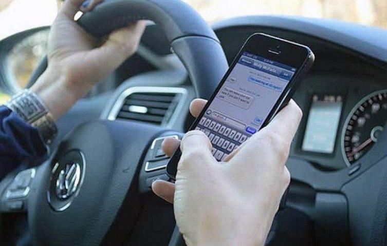 NATALE: COMPAGNIE TELEFONICHE REGALANO GIGA GRATIS, MA CODACONS LE ATTACCA