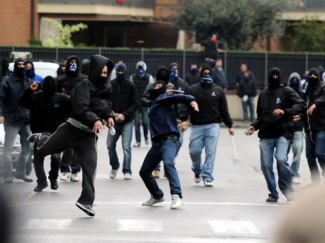 Scontri all'esterno del San Francesco, 40 tifosi della Nocerina nel mirino della Polizia