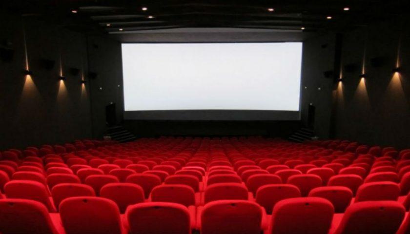 Troppe restrizioni, cinema e teatri verso il rinvio della riapertura