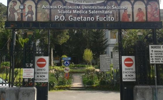 Lite e coltellate a Mercato San Severino, ferito un 15enne