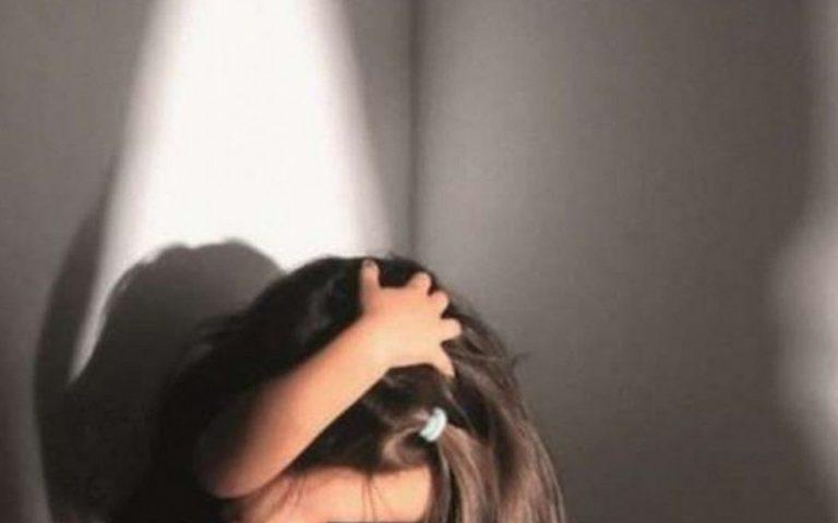 Ragazzine denunciano maltrattamenti in famiglia a Pontecagnano, patrigno sotto accusa