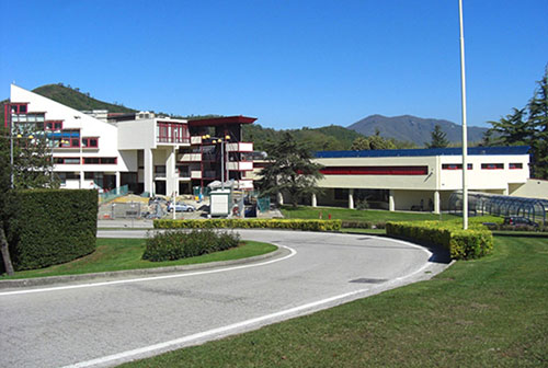 Dirigente dell'Università di Salerno nei guai: avrebbe negato alcuni documenti a quattro studenti