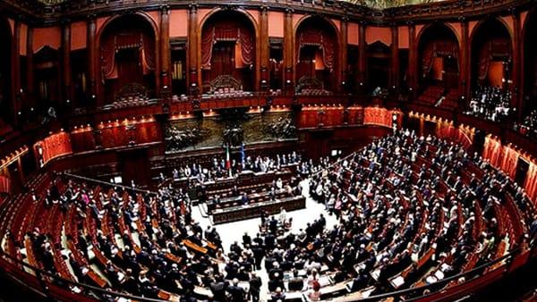 Commissioni parlamentari ecco tutti i nomi salernitani for Commissione bilancio camera dei deputati