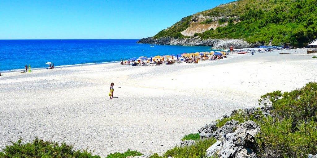 Matrimonio Spiaggia Cilento : Guida annuale di legambiente e touring club nel cilento