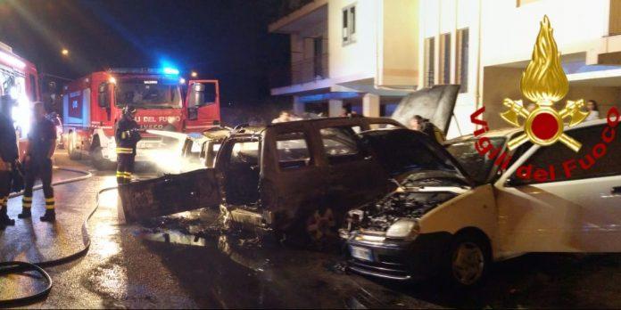 Tre auto in fiamme a Cava de' Tirreni