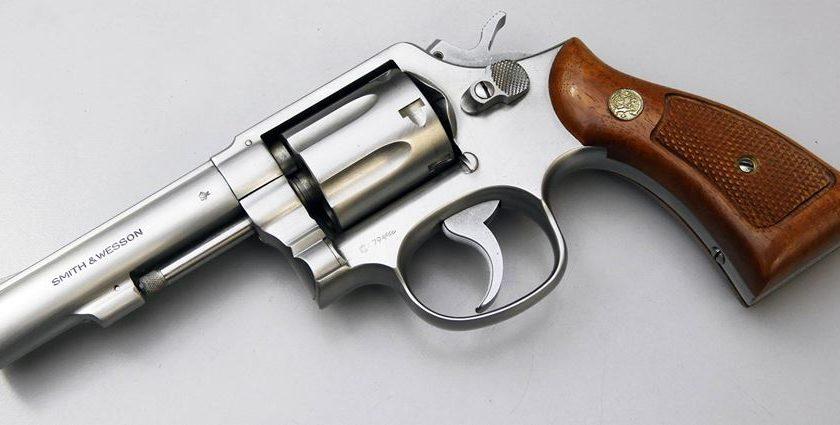 Furto nell'armeria a Battipaglia, rubate 14 pistole
