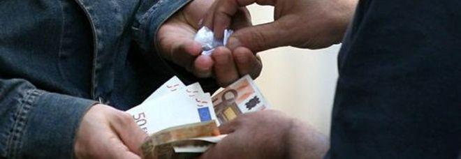 Spaccio di droga da 2mila euro al giorno, chiuso il cerchio su 48 indagati