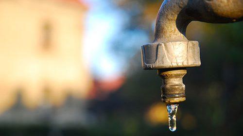 Salerno, martedì rubinetti a secco 5 ore nel Centro storico