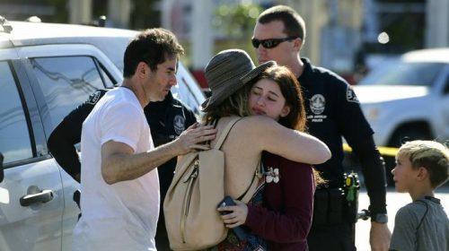 Paura a Los Angeles, teenager si barrica in un supermarket: morta una ragazza