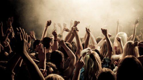 Sballo in una discoteca di Salerno: tre ragazze in ospedale con allucinazioni