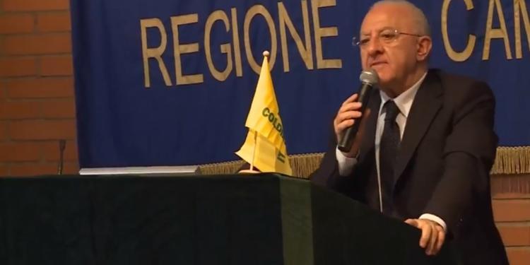 De Luca, piano per i rifiuti in Campania: «Occorrono 15 impianti»