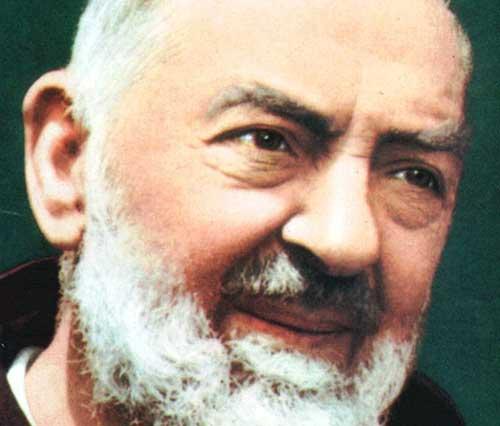 Salerno: omaggio a San Pio, tremila fedeli in cattedrale