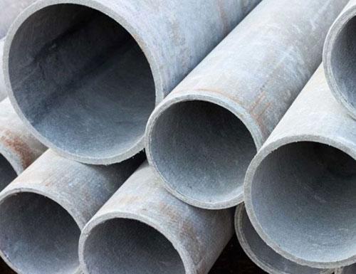 Pericolo amianto in via Ruggi, tubi abbandonati